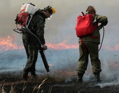 Тульские спасатели обзавелись 350 ранцевыми огнетушителями